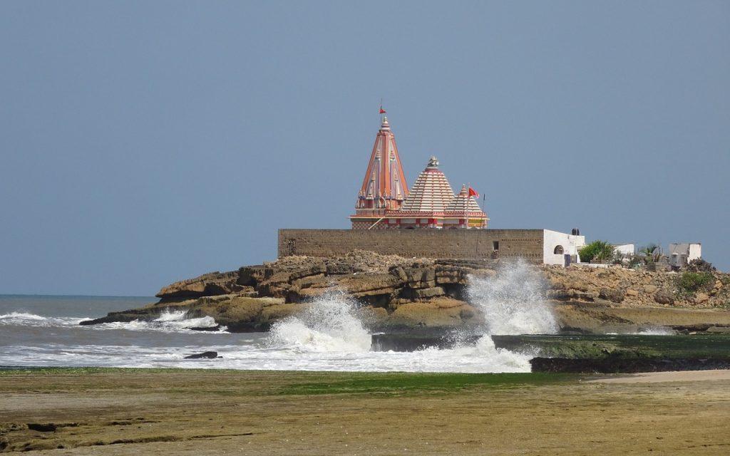 सोमनाथ मंदिर समुद्र तट